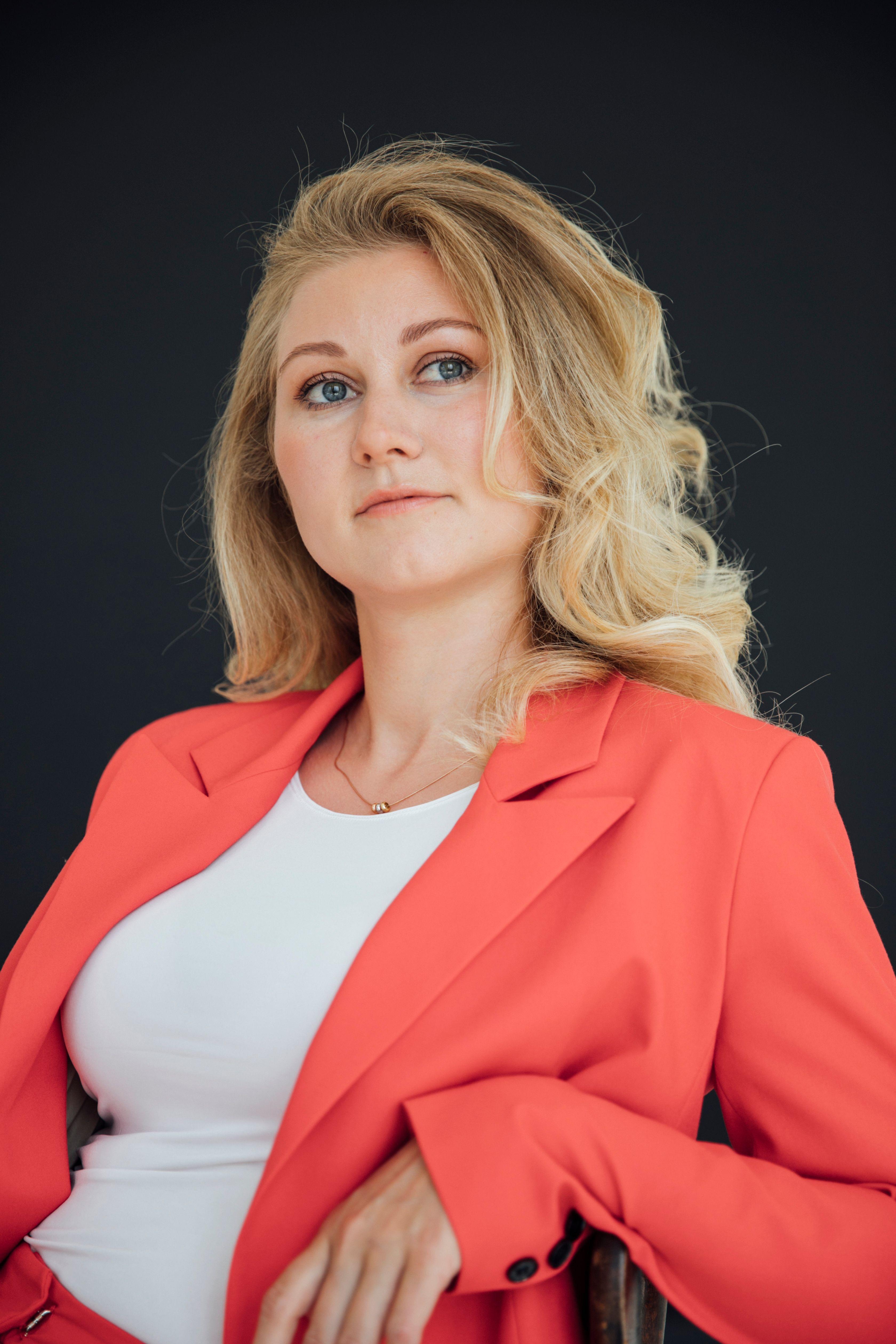 Лилия Воскресенская — практикующий психолог, коуч, эксперт журнала COLADY